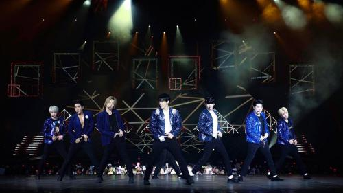 SUPER JUNIOR WORLD TOUR